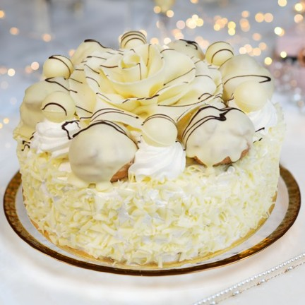 WHITE CHOCOLATE GATEAUX