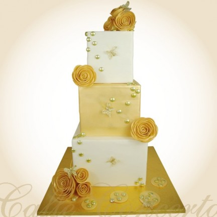 GOLD WEDDING TOWER